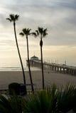 Après-midi brumeux de pilier de Manhattan Beach Image libre de droits