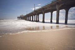Après-midi venteux de pilier de Manhattan Beach Photos stock
