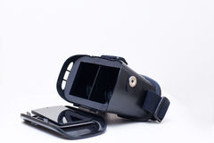 Apra gli occhiali di protezione e lo smartphone della realtà 3d Fotografia Stock