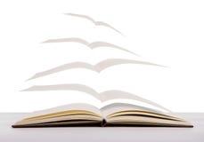 Apra i libri di volo fotografia stock libera da diritti