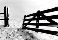 Apra il cancello fotografia stock libera da diritti