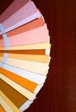 Apra il catalogo di colori del campione di pantone Immagini Stock Libere da Diritti