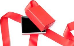 Apra il contenitore di regalo rosso Fotografia Stock
