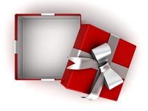 Apra il contenitore di regalo rosso o la scatola attuale con il nastro d'argento con l'arco e lo spazio vuoto nella scatola isola Immagine Stock