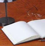 Apra il libro macchina Fotografie Stock Libere da Diritti