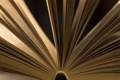 Apra il primo piano del libro Fotografie Stock