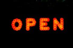 Apra il segno Fotografia Stock Libera da Diritti
