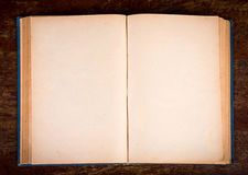 Apra il vecchio libro d'annata Immagine Stock Libera da Diritti