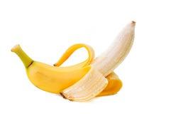 Apra la banana isolata su priorità bassa bianca Immagini Stock
