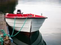 Apra la barca da un bacino fotografia stock