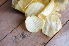 Apra la borsa con le patatine fritte Fotografia Stock