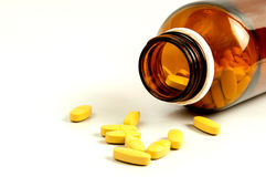 Apra la bottiglia di pillola con medicina Immagini Stock Libere da Diritti
