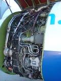 Apra la carlinga di motore dell'aeroplano immagini stock