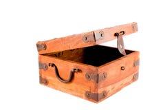 Apra la casella di legno isolata su priorità bassa bianca Fotografia Stock Libera da Diritti