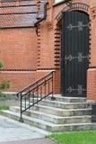 Apra la porta alla chiesa Fotografia Stock