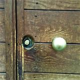 Apra la porta e scopra il mondo! fotografia stock libera da diritti