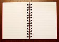Apra le pagine notebook1 -2 Fotografie Stock