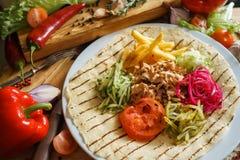Apra lo shawarma con le verdure Immagine Stock