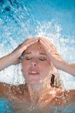 Apreciando a água fotografia de stock royalty free