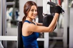 Apreciando meu exercício no gym Imagens de Stock Royalty Free