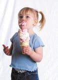 Apreciando o gelado Imagens de Stock Royalty Free