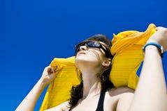 Apreciando o sol Imagem de Stock