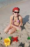 Apreciando a praia Foto de Stock Royalty Free