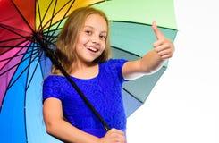 Aprecie dias chuvosos com acessório do guarda-chuva O melhor conceito do acessório da queda Positivo da estada Época do ano do fa fotos de stock royalty free