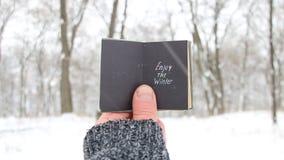 Aprecie o inverno Livro com inscrição Citações sobre a estação do inverno filme