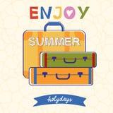 Aprecie a tipografia do vetor do verão com bagagem Imagens de Stock Royalty Free