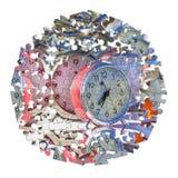 Aprenda controlar o tempo - pulsos de disparo de tabela coloridos velhos do metal, conce fotografia de stock royalty free