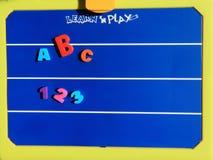 Aprenda e jogue a placa Imagens de Stock Royalty Free