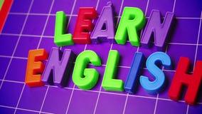 Aprenda el alfabeto de la lengua inglesa en letras de los imanes almacen de metraje de vídeo