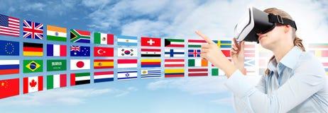 Aprenda o conceito da tecnologia das línguas no futuro imagem de stock royalty free