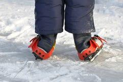 Aprenda a patinagem foto de stock