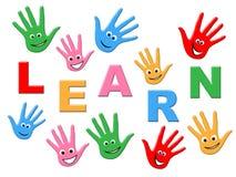 Aprenda que as crianças representam a infância que educa e que treina Fotografia de Stock Royalty Free