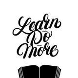 Aprenda que lo hacen más aún más cita escrita mano de las letras con el libro Foto de archivo