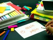 Aprendendo a língua nova que faz cartões flash originais; Grego Fotografia de Stock