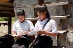 Aprendizaje asiático de los estudiantes Fotografía de archivo libre de regalías