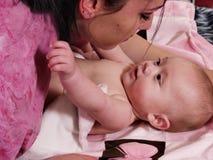 Aprendizaje del bebé Fotos de archivo libres de regalías