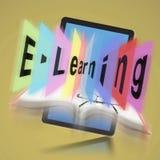 Aprendizaje electrónico en la tableta de Digitaces foto de archivo libre de regalías