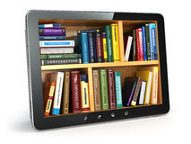 Aprendizaje electrónico PC y libros de texto de la tableta Educación en línea Imágenes de archivo libres de regalías
