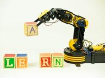 Aprendizaje sobre la robótica Fotografía de archivo
