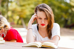 Aprendizaje Stressed Foto de archivo libre de regalías