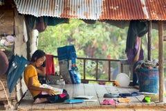 Aprendizaje tailandés de la niña Fotografía de archivo libre de regalías