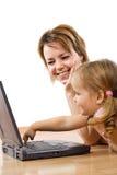 Aprendizaje utilizar un ordenador Foto de archivo libre de regalías