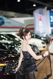 Apresentador no vestido 'sexy' na 30a expo internacional do motor de Tailândia o 3 de dezembro de 2013 em Banguecoque, Tailândia Foto de Stock