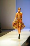 Apresentar modelo projeta de Erdem em Audi Fashion Festival 2011 Fotos de Stock Royalty Free