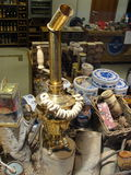 Apresente lojas de lembranças, central histórico e o armazém o maior de St Petersburg, assentando a jarda Fotos de Stock