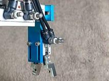 Apretón de la mano del robot fotografía de archivo